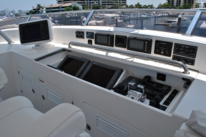 Deck - Flybridge