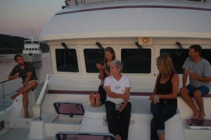 Tyler, Kristina, Judy, Stef andSid watch the sunset on Shear Madness (Argo is in the background)